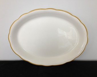 Large Buffalo China Co. Restaurant ware Scallop Platter with Mustard Trim