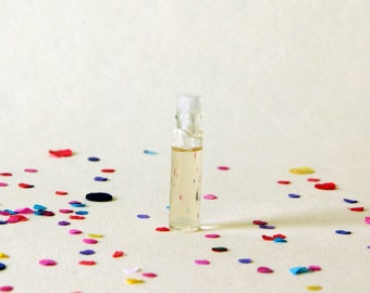 Jasmine Perfume Oil Sample - a delicate and sweet floral scent - Wear me, Diffuse me.