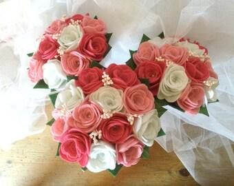 Mini felt, white, Fuchsia roses and rose bouquet