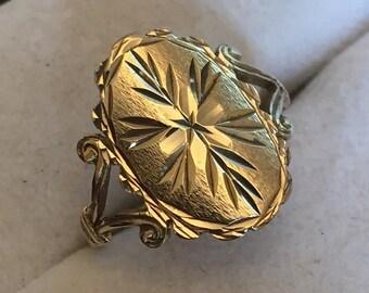 Vintage 9ct gold signet ring