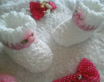 Baby boots 0-3 months hand knitted