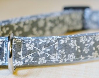 Grey & White Floral Dog Collar / Size MEDIUM/ Ready To Ship