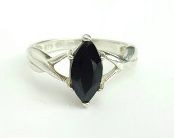 Vintage Sterling Silver and Onyx Avon Ring- Size 5
