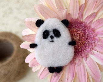 Needle Felted brooch - Panda - wool brooch
