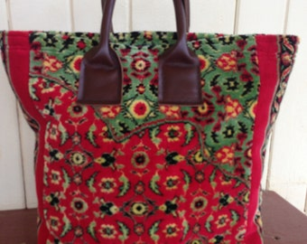 CLEARANCE SALE  20% DISCOUNT  -  The Carpet Tote
