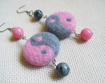 Ying Yang Earrings Needle Felt Earrings Gemstone Earrings Dangle Earrings Charm Earrings Pink Jewelry Felted Ying Yang Oak Jewelry