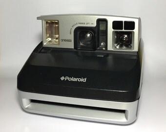 Polaroid One 600