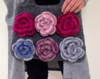 Original wool felted handbag, unique shoulder bag, hand-knitted and felted, grey wool, felted roses, feminine accessories, original gifts,