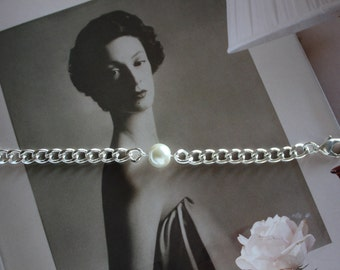 Pearl Curb Chain Bracelet