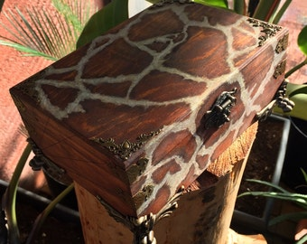 Jeweller giraffe pattern