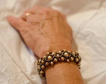 Cream and Bronze Beaded Bracelet