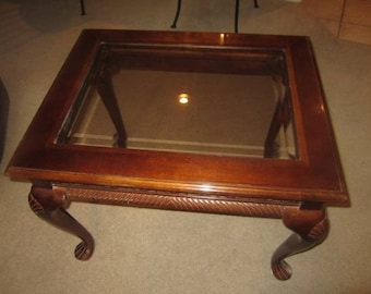Queen Anne legs, Beveled Glass Top Mahogany/Cherry end table
