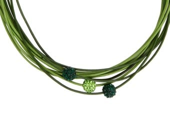 Necklace celebrates green multicuir and shamballa