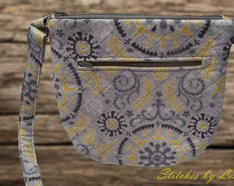 Crossbody/Purse/Tote/Quilted/Adjustable strap