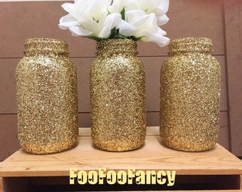 Gold glitter quart size mason jars. Centerpieces, party decor, home decor, anniversary party. Large gold mason jars. Large