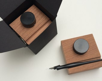 Calligraphy pen and ink stands