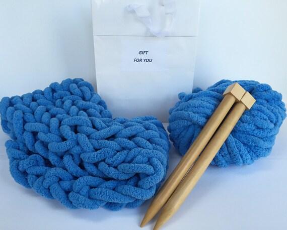 DIY Beginner Knitting Kit. Giant Knitting Needles and by Becozi