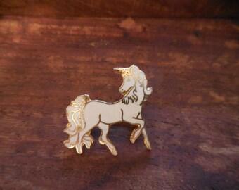 Unicorn pin 1980s