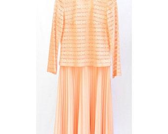 Vintage 70s Dress - Size 6 Dress - Vintage Day Time Dress - Peach Dress - Womens Vintage - Texture Dress