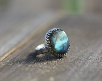 Gorgeous Labradorite Gem Stone Ring set in 925 and fine silver.  Aus size O   US size  7  1/4