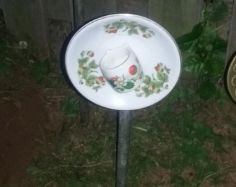 ON SALE   Garden   Art   up-cycled   Red   Strawberries   Floral   Plate   Whimsical   Eye Catching    yard art    Decor   Flower   Bloom