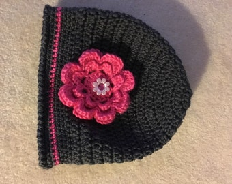 Toddler hat with pink flower
