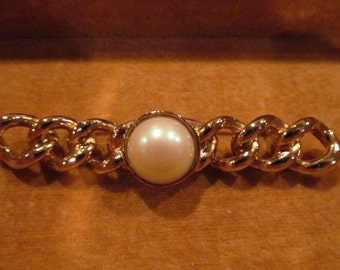 Vintage gold-tone brooch with faux pearl center, vintage brooch,