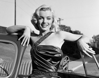 Marilyn Monroe - Photograph - 1950s - Norma Jean - Hollywood - Celebrity - Legend - Beauty - Black and White - Photo - Print - Actress - Art