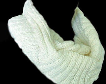 Infinity scarf, hand-knit winter scarf, colors white, brown, red with a black and under the order, natural on JoyMax