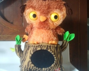 Hallmark animated Halloween Owl