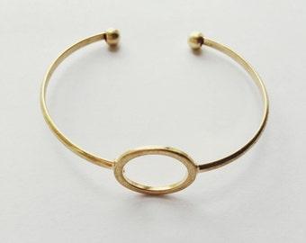 Gold shape brassy bracelet
