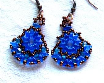 Sparkling blue fan earrings