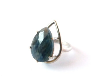 Floating Drop Eco Silver Ring Natural Sapphire