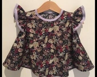 Dark floral swing top