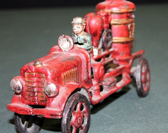VINTAGE Cast Iron Water Pump Firetruck with Driver