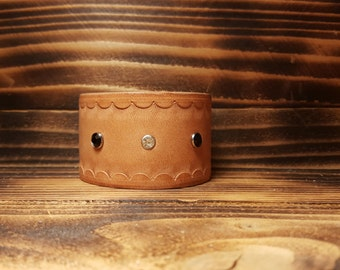 Natural Hand Made Leather Bracelet with Rhinestones