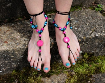"Barefoot sandals ""feel the power of pink"""