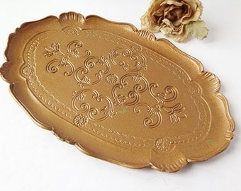Decorative Tray with scalloped edge / Fancy Tray / Vanity Tray / Ornate Serving Tray / Vintage Tray / Oval Tray / Serving Tray