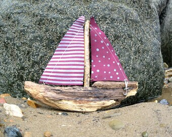 Driftwood Yacht - Driftwood Boat - Gifts for Him - Bathroom Decor - eco friendly - Nautical - Handmade - Beach Decor - Upcycled - Gift Ideas