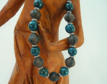 "Necklace ""blue Nugget"" with artisanal beads"