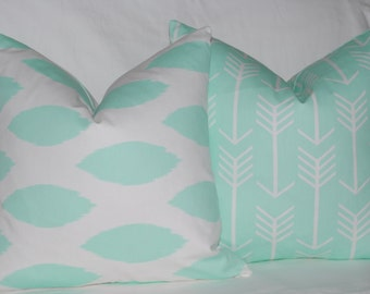 Couch Pillows, Mint Green Decorative Throw Pillows, Aqua Pillows, Accent Pillows, Home Decor, Zippered Pillows, Bedroom Decor