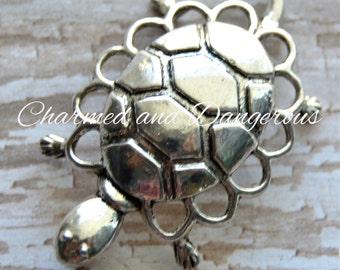 Pewter Dainty Turtle pendant (P72)