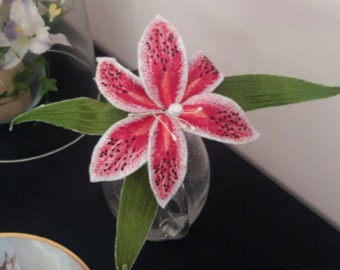 3D  fill stitch Tiger lily