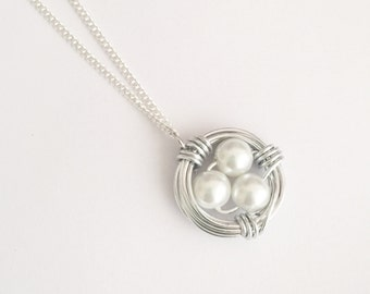 Pearl bird nest necklace