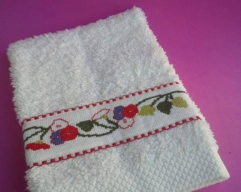 Bathtowels, handmade, cross-stitched bath towel, Bath and Beauty, Bath Accessory, cleaning accessory, hand embroidered, cleaning and drying