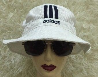 Adidas Bucket Hat sz 58~61 cm