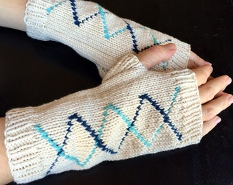 Fingerless mitts, cream and blue