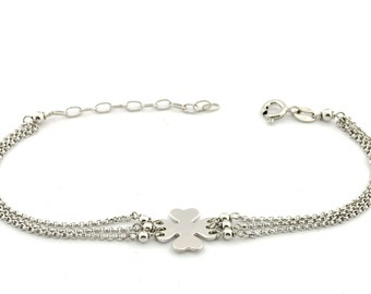 Triple strand belcher bracelet with a central quatrefoil 925 sterling silver plated white gold hypoallergenic adjustable length 18 to 20cm