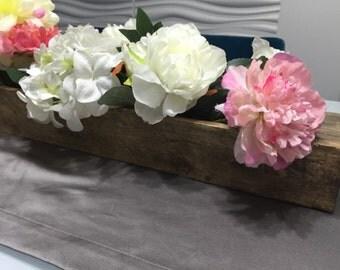 Wooden flower-vase centerpieces