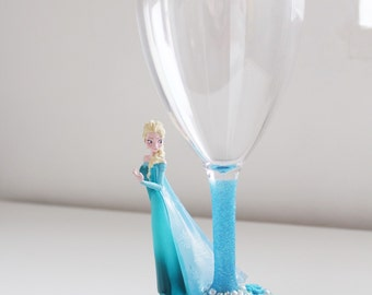 Chatacter glass Elsa (plastic glass perfect for kids)